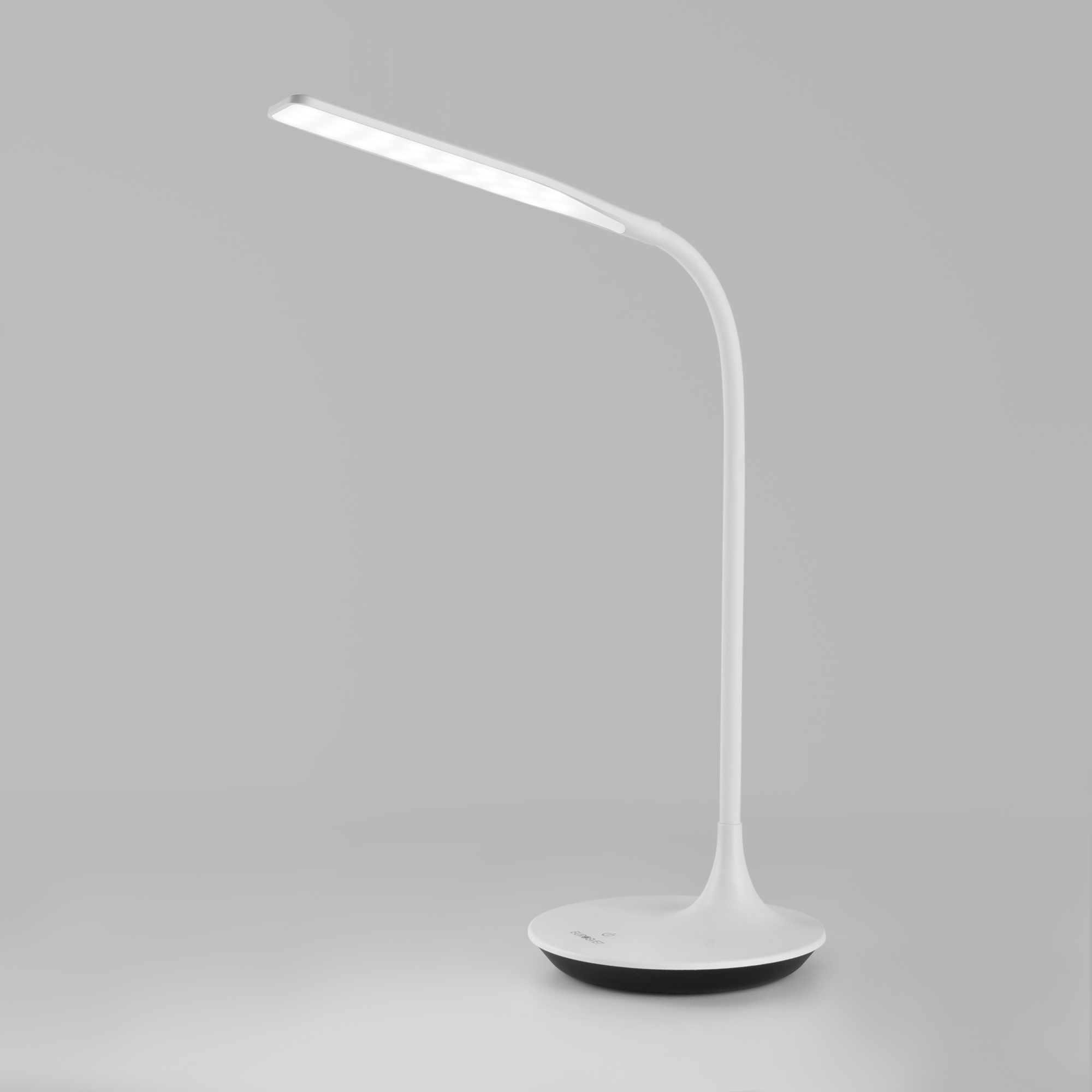 Светодиодная настольная лампа с сенсорным управлением 80422/1 белый