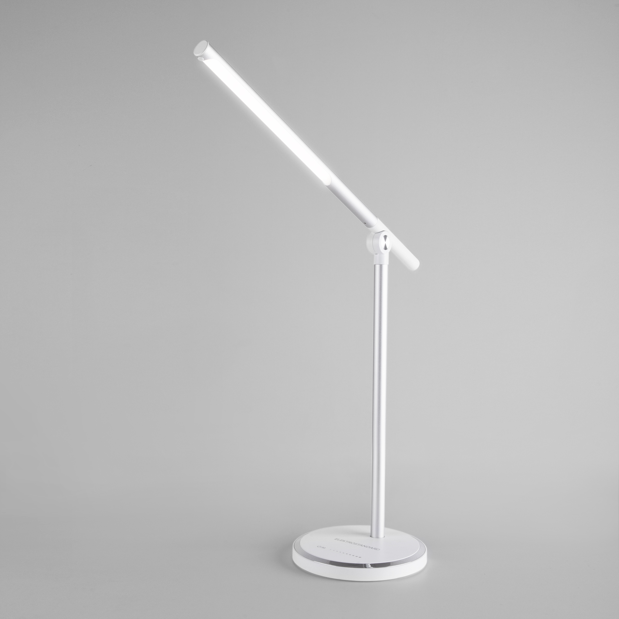 Светодиодный настольный светильник Vara серебро (TL70990)